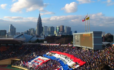 国立競技場から新宿副都心のビルを望む